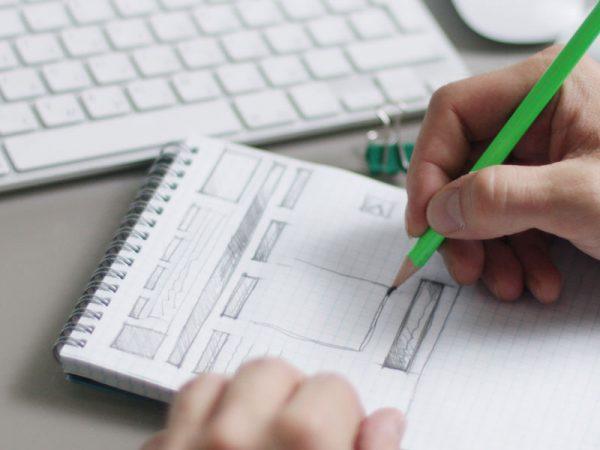 solutii web website-uri gazduire web administrare web si social media arad